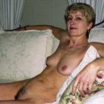 Femme mariée cherche un plan cul à trois avec deux inconnus sur le 69