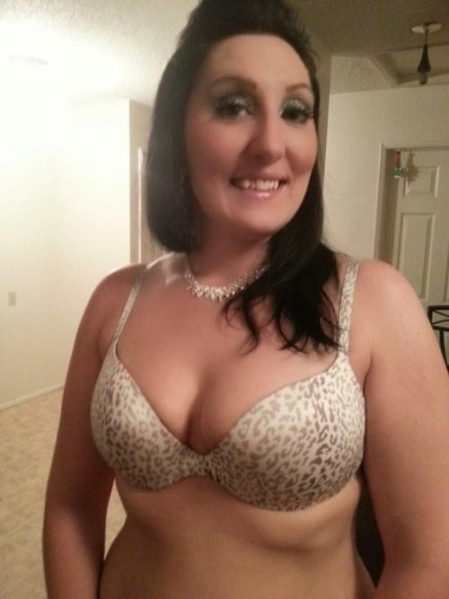 Maman infidele du 38 cherche amant TTBM discret