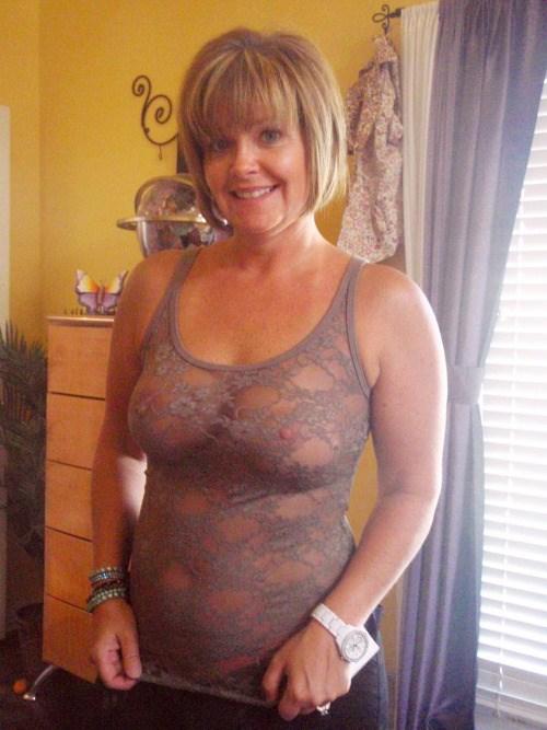 Maman infidele du 45 cherche amant TTBM discret