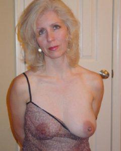 Rencontre infidele dans le 34 avec femme mature sexy