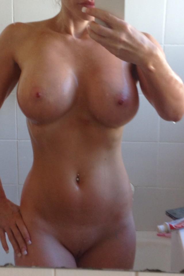 Jeune salope sexy du 32 recherche du sexe